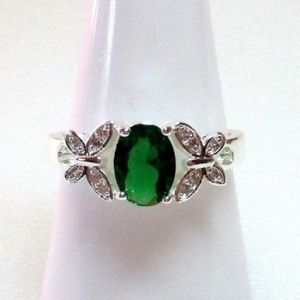 Ring Size 8.5 Simulated Oval Emerald Butterfly 391